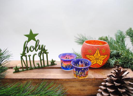 3D Holzschriften und stimmungsvolle Teelichtgläser